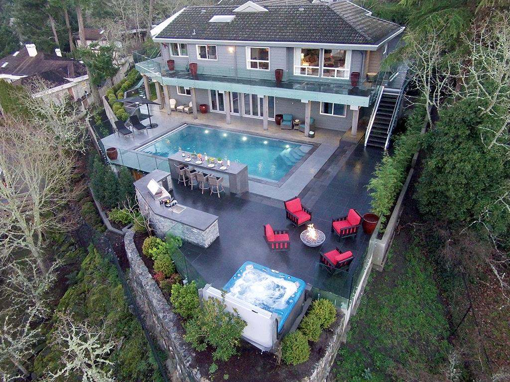 Flintstones | Poolscape Outdoor living Pool Hot tub